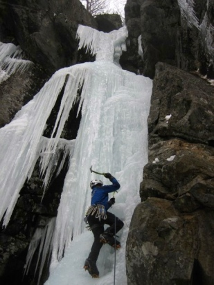 Erik Thatcher heading up Geographic Factor (WI5) at Rumney NH PC: Richard Parker