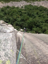 Rapelling Vertigo, right over the gorgeous 5.9 finger crack